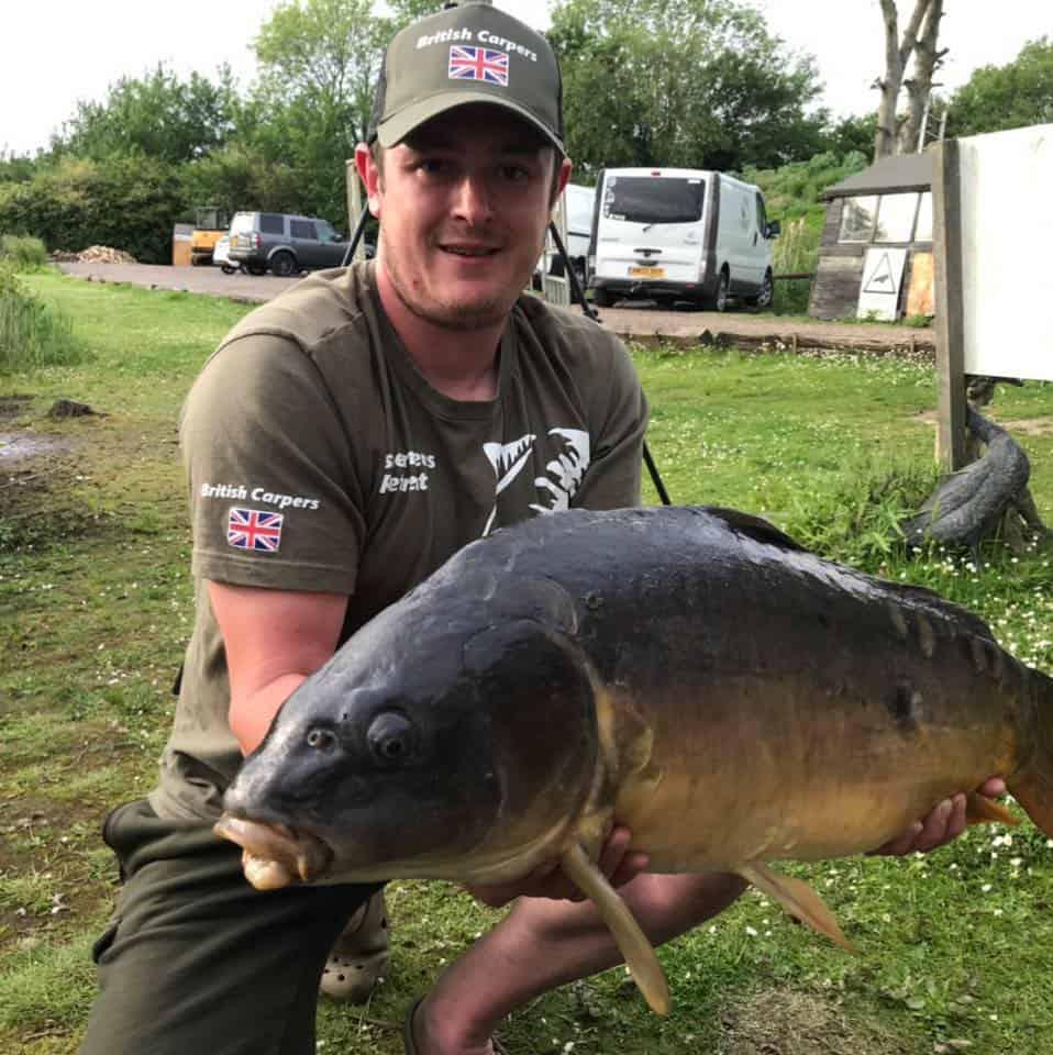 BRITISH CARPERS FISHING JOGGERS OLIVE